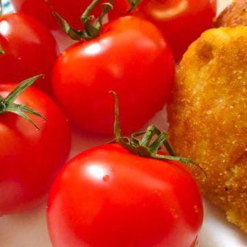 Котлеты с помидорами