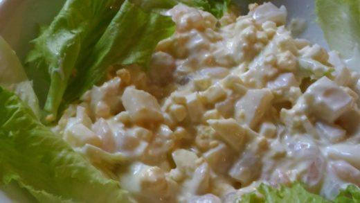 Готовый салат с кальмарами и креветками